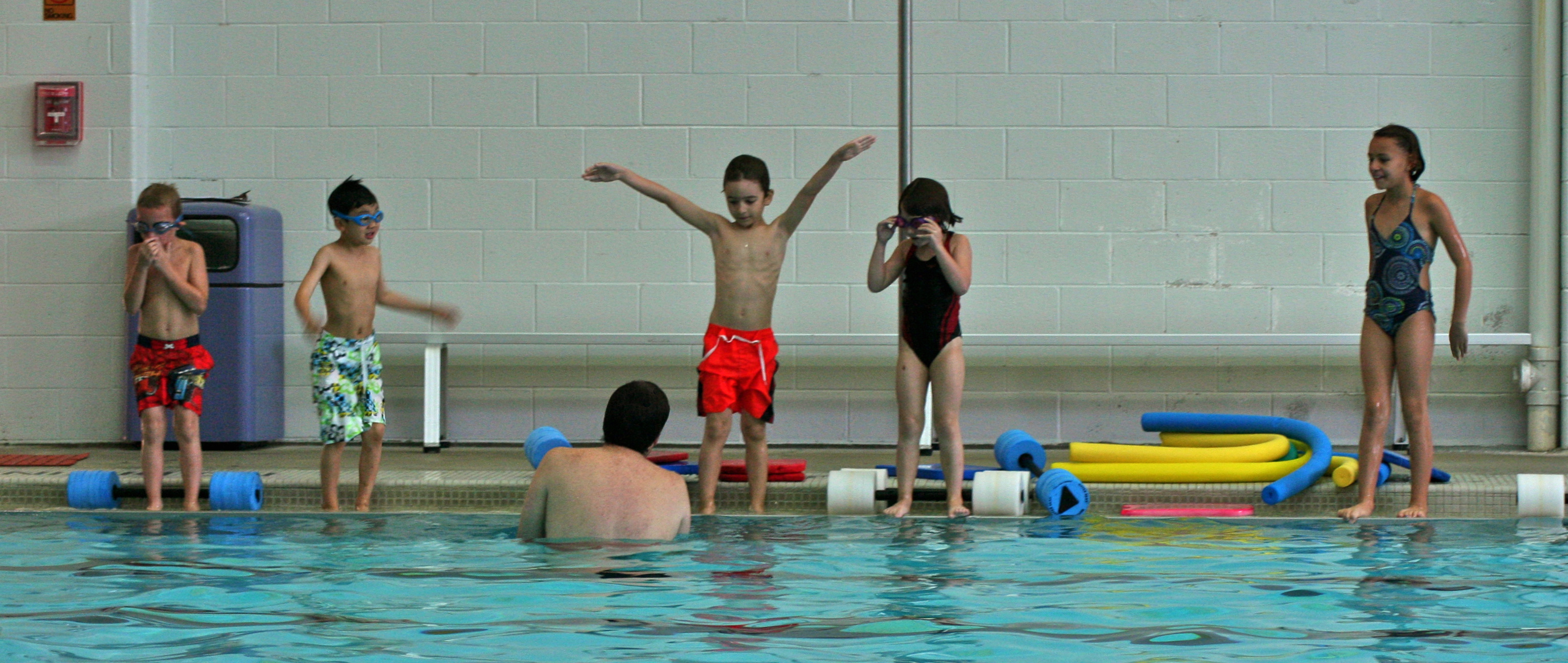 Safe and fun learn-to-swim