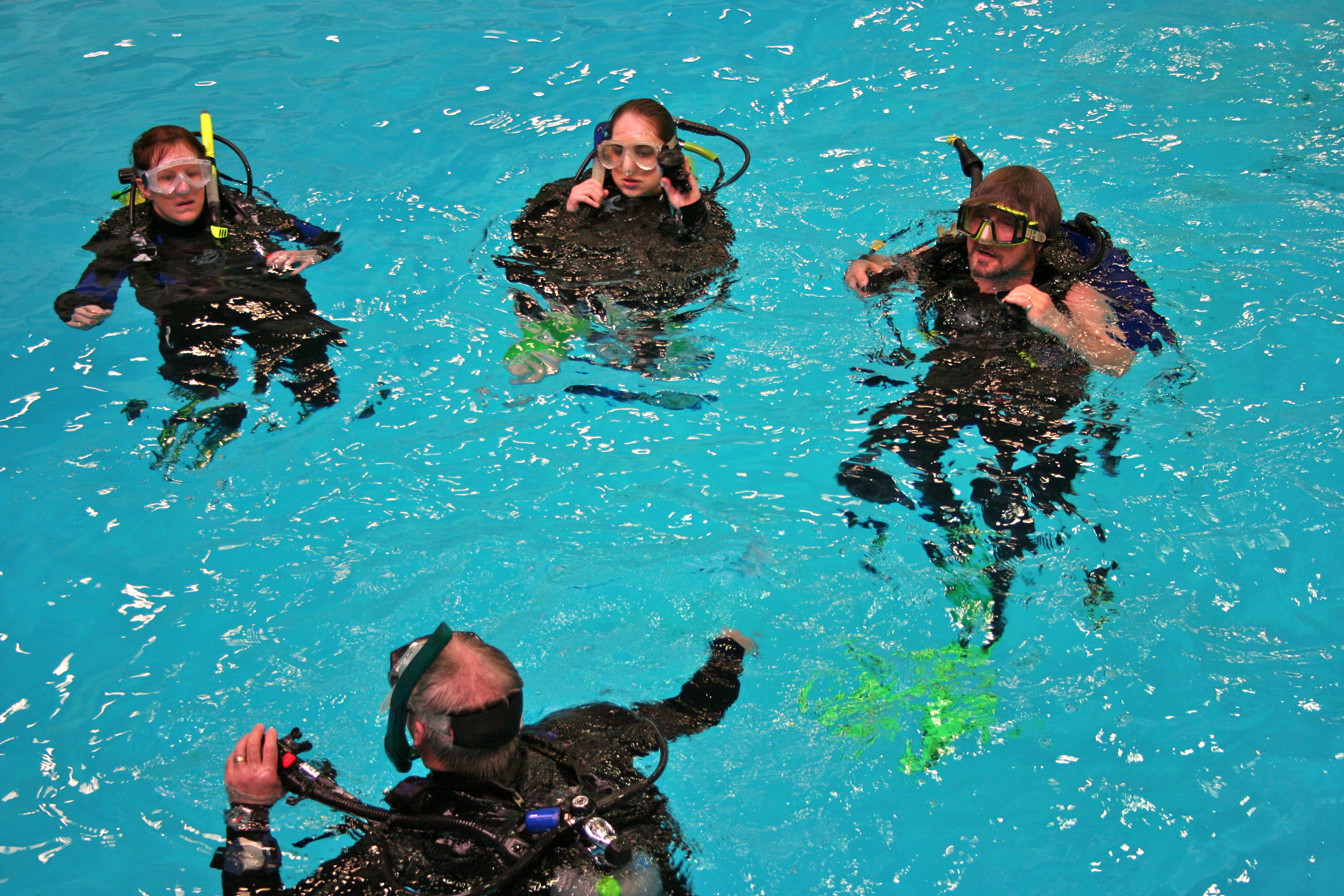 Learn to scuba before spring break vacations!