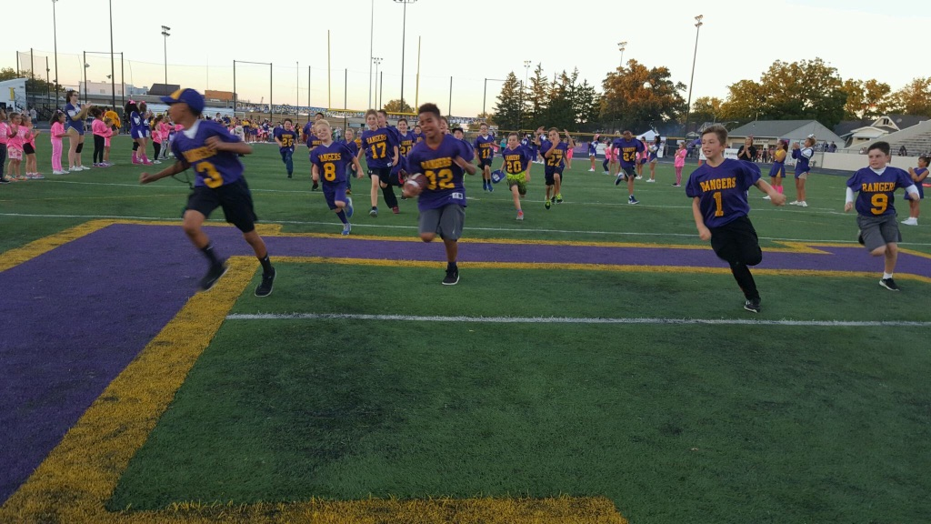 Youth football Rangers take the field!  @lkwdrec